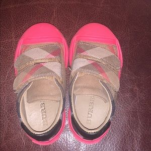 Burberry kids velcro hot pink shoes size 2